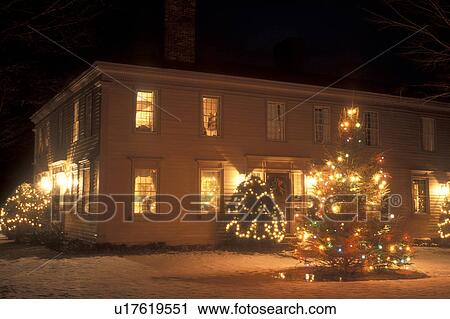 Christmas In Vermont.B B Inn Hotel Resort Christmas Decorations Holiday Outdoor Snow Winter Manchester Vermont The 1811 House Is Decorated For The Christmas