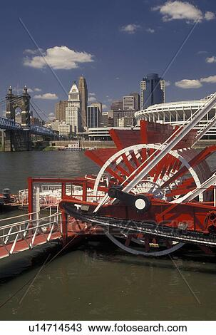 Stock Photo Of Cincinnati Oh Riverboat Ohio River Mike Fink S Restaurant Along The With A View Downtown Skyline