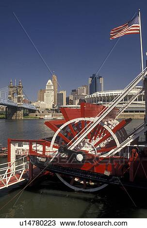 Stock Photo Of Riverboat Cincinnati Oh Ohio Mike Fink S Restaurant Along The River With A View Downtown Skyline And