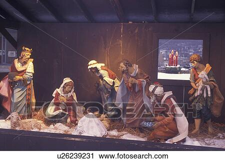 bethlehem pa pennsylvania christmas city moravian christmas manger scene nativity scene