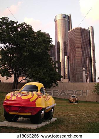 Detroit, MI, Michigan, Downtown, skyline, Riverfront, Detroit River,  CarTunes on Parade statue, General Motors Headquarters, Renaissance Center  Stock
