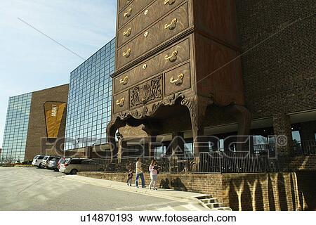 Ordinaire High Point, Jamestown, NC, North Carolina, Furnitureland South, Worldu0027s  Largest Highboy Dresser