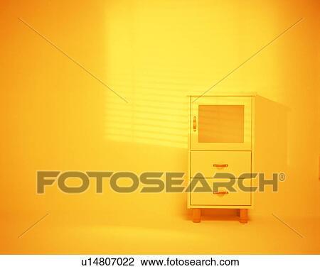 Het Witte Kabinet.Klein Witte Kabinet Op Muur Stock Afbeelding