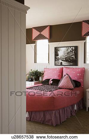 Beelden - meisje, roze, en, bruine, slaapkamer u28657538 - Zoek ...