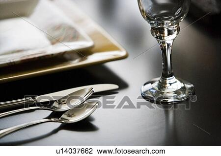 Contemporary table setting & Stock Photo of Contemporary table setting u14037662 - Search Stock ...