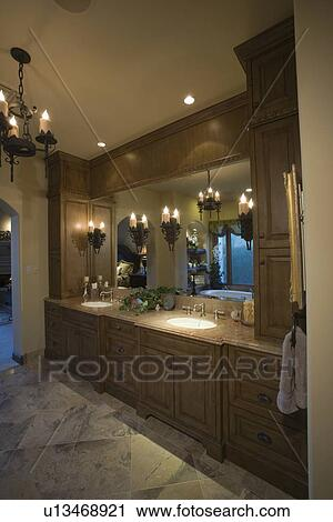 Palma salta, cuarto de baño, con, lit, araña de luces Colección de ...