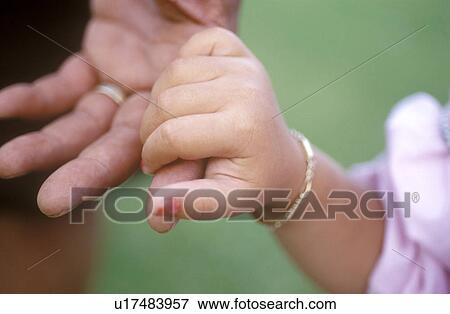 Picture Of Father And Daughter Holding Hands U17483957 Search