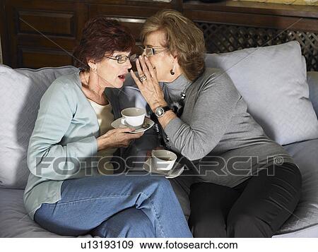 Dos Mujeres Una Copa