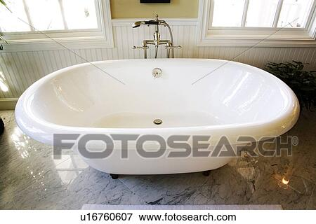 Vasca Bagno Freestanding : Immagine alta veduta angolo di freestanding vasca bagno