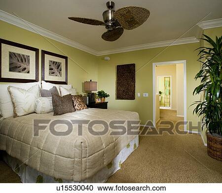Stock Fotografie - meester, slaapkamer, met, kroon, het boetseren ...