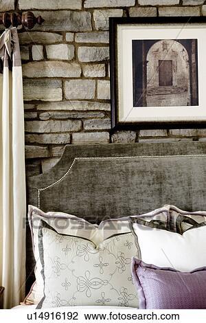 Archivio Fotografico - velluto, testata letto, davanti, muro pietra ...
