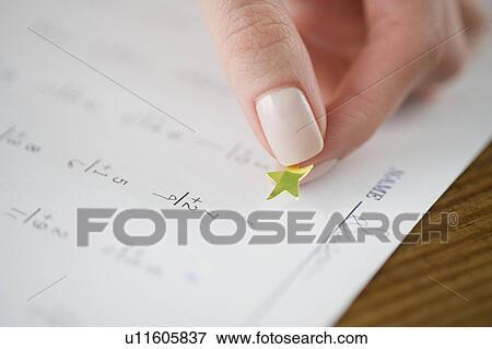 Bild - lehrer, anbringen, gold stern, to, mathe, arbeitsblatt ...