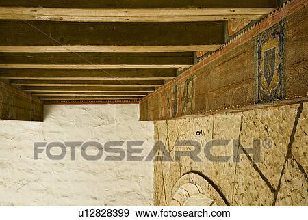 Stock fotografie detail hand geverfde plafond balken