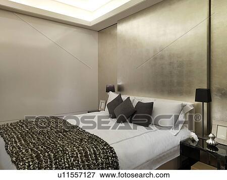 Beeld - hippe, slaapkamer, met, gouden muur u11557127 - Zoek Stock ...