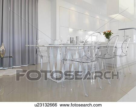 Incroyable Modern Dining Table With Clear Plastic Chairs