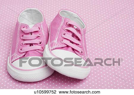 the latest 17b86 9e6d3 Rosa, baby, turnschuhe Stock Foto