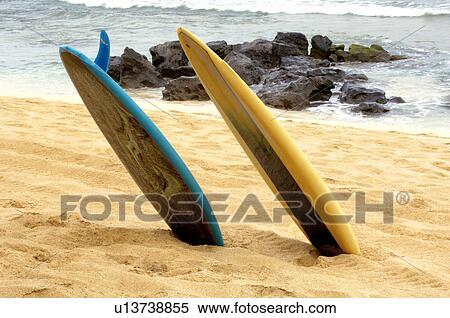 Planches Surf Sortir De Sable Banques De Photographies U13738855 Fotosearch