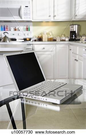 Offener laptop-computer, edv, oben, glas, oberseite, kueche ...