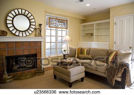 Contemporaneo, divano, in, stile spagnolo, soggiorno Archivio fotografico