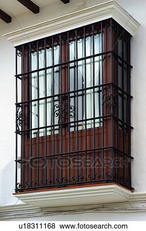 Images espagne espagnol b timent balcon fen tre fa ade architecture u18311168 for Fenetre en espagnol