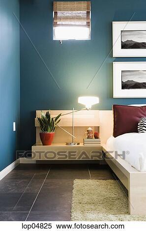 Contemporain, chambre à coucher, à, bleu, murs Banques de Photographies