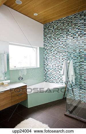 Stock Foto - braun, und, türkis, badezimmer upp24004 - Suche ...