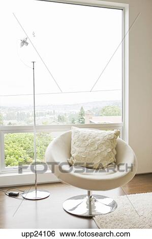 Stock Afbeeldingen - hippe, stoel, en, lamp, voor, woonkamer ...