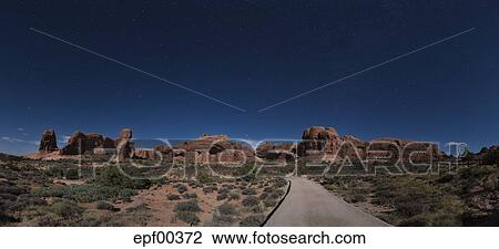 Usa Utah Arches National Park Double Arch Hiking Trail At