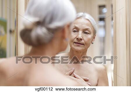 gut aussehende altere reife frauen