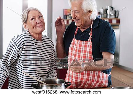 Einheimisches paar für erwachsene